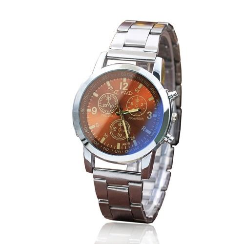 Verre Blu-ray à trois yeux en acier montre explosions hommes cadeaux cadeaux cadeaux montres pour hommes montres pour hommes et montres pour hommes en gros marron