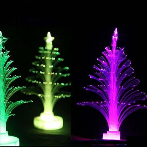 Luce diurna di design a forma di albero di Natale LED