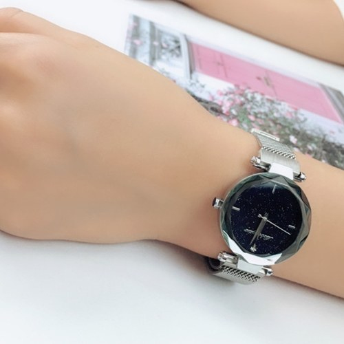 Image of Bling Starry Sky Female Armbanduhr Analog Quarz Armbanduhr Armband Magnetic Mesh Band für Damen