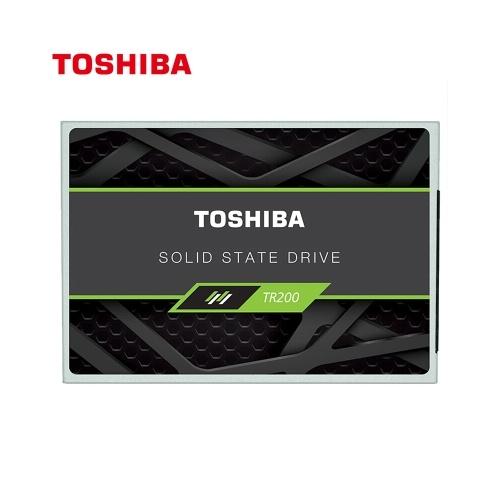 Toshiba TR200 Series SSD da 2,5 pollici Porta SATA disco a stato solido disco a 64 strati 3D BiCS FLASH 555 MB / s Velocità di lettura 540 MB / s Velocità di scrittura 960 GB