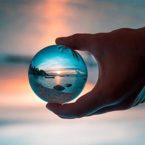 透明なクリスタルボール家庭装飾固体写真世界40mmのガラスの異なる角度