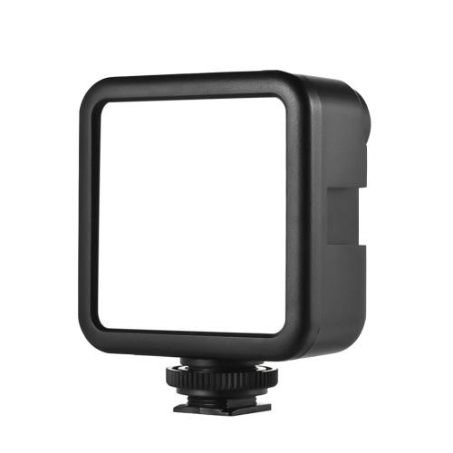 Andoer W49S Mini LED-Videoleuchte 5600K Dimmbare 5-W-Einbaubatterie 3 Kaltschuhhalterungen