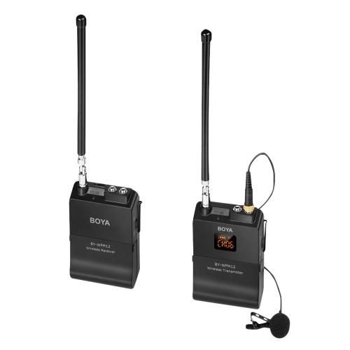 BOYA BY-WFM12 UKW-Funkmikrofonsystem Senderempfänger mit omnidirektionalem Lavalier-Mikrofon 12 umschaltbare Frequenzen 3,5-mm-Minibuchse für Smartphone-DSLR-Kamera, Camcorder, Audiorecorder, PC und mehr