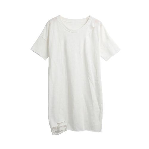 Las mujeres rasgaron los agujeros larga camiseta caídas en los hombros o cuello mangas cortas destruido largo Casual Top camiseta blanca