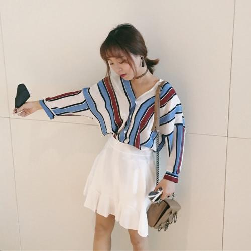 Mode Frauen lose Hemden Kontrast Farbe gestreift V-Ausschnitt Batwing Ärmel Casual Bluse Tops blau / grün