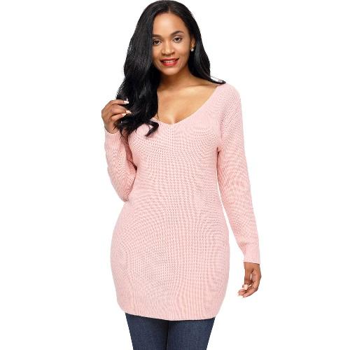 Las mujeres atractivas sueltan el suéter hecho punto sólido encadena para arriba el vendaje trasero la manga larga del cuello de V ahuecan hacia fuera el suéter