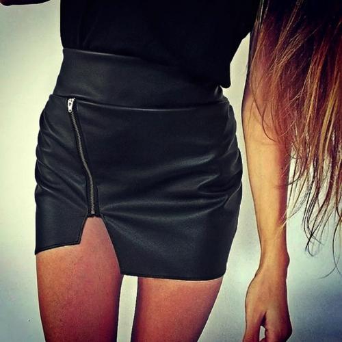 Mujeres sexy falda PU cuero cintura cremallera cierre decoración borde Irregular Bodycon Mini falda negro