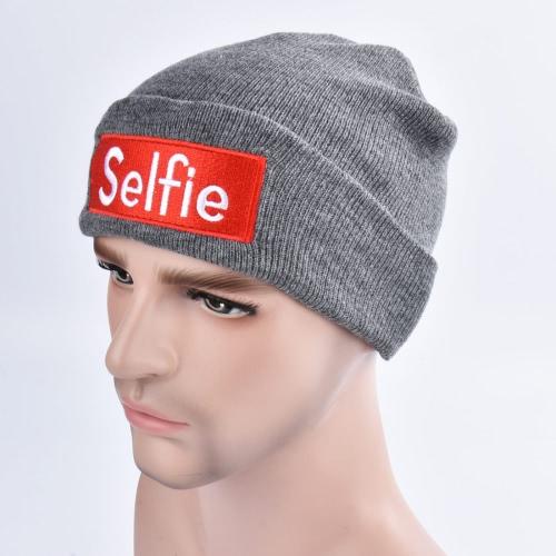 Mode Hommes Femmes Autocollant de broderie Selfie Chapeau en tricot Chapeau chaud hiver Chapeau Unisexe Hippop Slouchy Skull