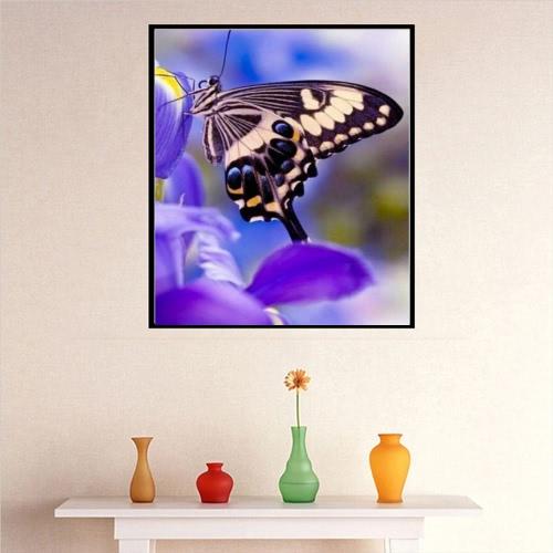 Peinture à diamant de luxe de papillon brillant et original