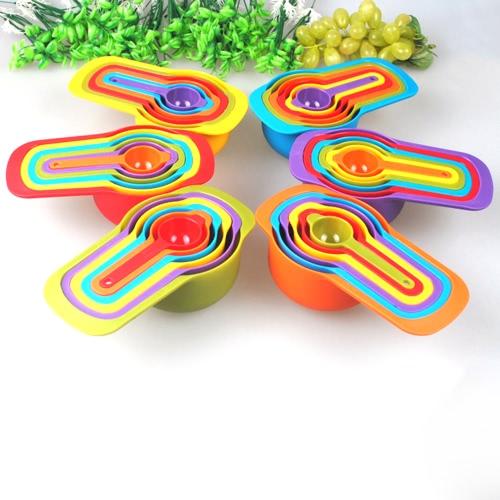 6 Pcs Home Küche Essential Tools Kit Set für das Backen Multifunktionale Messlöffel Kunststoff Nested Measuring Cups Multi-Color