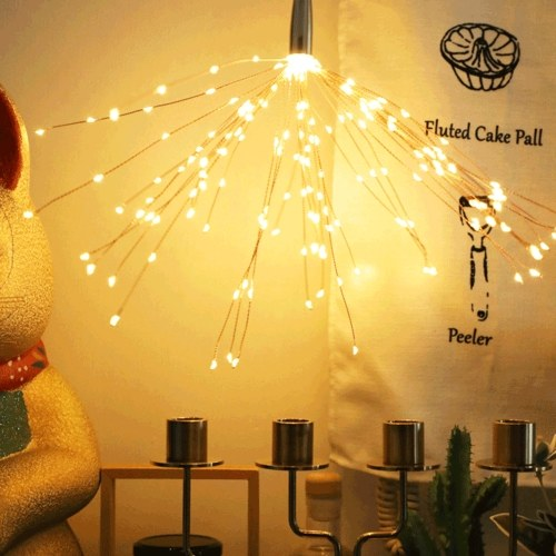 200LEDs Warmweiße Lichterketten Feuerwerk geformte dekorative hängende Lichterketten 8 Lichtmodi Kupferdrahtlichter Glühbirnen
