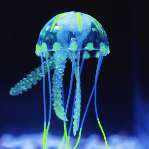 10cm Artificial Glowing Jellyfish with Sucker Fish Tank Aquarium Decoration Purple