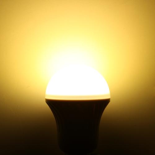 LED valgus pirn 5W E27 soe valge 220V