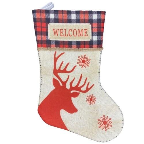 Medias de Navidad con ciervos colgando medias de Navidad