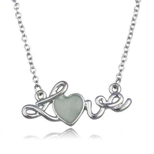 Metall-Legierung Kragen Halskette leuchtende Nacht glühend 'LOVE' Herz Anhänger Lobster Clasp 18in Messingkette glänzend galvanischen süße Stil