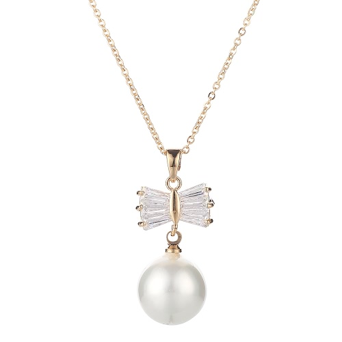 Proste New Fashion Drop Design Pendant Naszyjnik kobiet Pearl Butterfly Wzór Zircon Collar Clavicle Chain