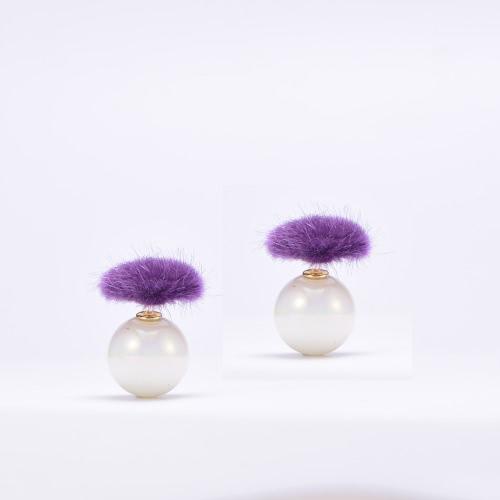 Fashion Charm Double Sided Heart Shaped Fur Glass Ball Zinc Alloy Ear Stud Jewelry for Women Girl Gift