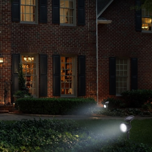 2Pcs 3LED Cool Blanco IP65 Resistente al agua Solar Powered Spotlight Luz al aire libre Sensor Jardín Patio Patio Lawn Yard Path lámpara
