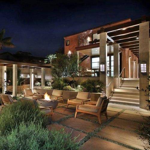 2Pcs IP65 Water Resistant Outdoor Solar Powered Night Light