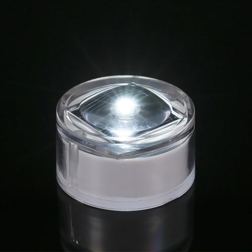 Светодиодная лампа под солнечной батареей фото