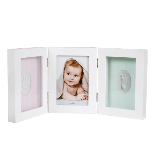 Baby Handprint Footprint Picture Frame Kit Potrójna składana drewniana ramka na zdjęcia z białą glinką