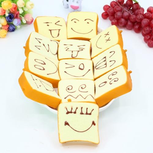 Slow Rising Squishy Funny Expression Bread Squeeze Игрушка Ароматические мягкие телефонные ремни Подвесные декомпрессионные игрушки