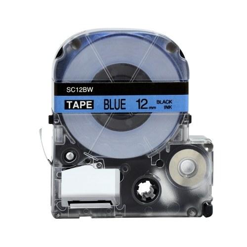 Nastro per etichette autoadesivo PUTY 5 rotoli Nastro per etichettatrici di ricambio nero su blu 0,47 pollici (12 mm) x 26,2 piedi (8 m) Impermeabile e resistente all'olio Compatibile con la stampante per etichette KINGJIM SR230CH / SR230C / SR530C / SR550C / SR3900C