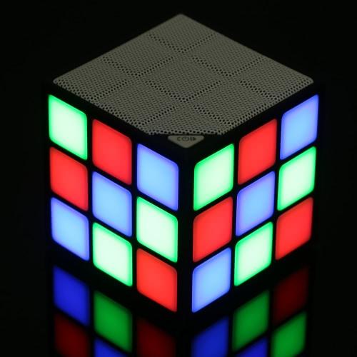 P1 куб BT оратор портативные LED RGB свет беспроводные колонки с микрофоном Hands-free функция TF карты для iPhone 6S 6S плюс смартфон