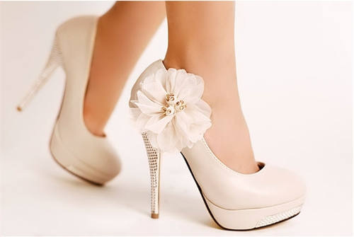 Las bombas de las mujeres de moda florecen tacones altos plataforma Slole Stiletto talón corte zapatos Beige