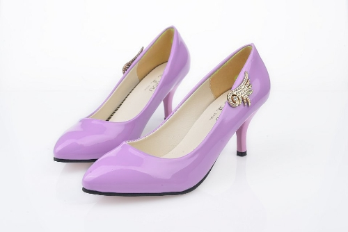 Moda mujeres PU talones Color caramelo bajo corte Vamp puntas finas zapatillas morado
