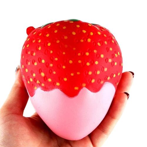 Squishyスローライジングストロベリークリームコレクションギフトの装飾面白いおもちゃ