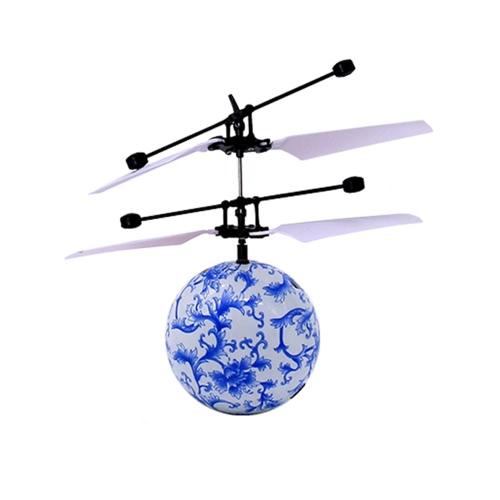 Fantastische neue Art und Weise Infrarot-Induktions-Trommel-Fliegen-Blitz-Disco Bunte glänzende LED-Beleuchtung-Kugel-Hubschrauber-Kind-Kind-Spielzeug-Geste-Erfassung Keine Notwendigkeit, Fernsteuerungs-USB-Aufladung zu verwenden