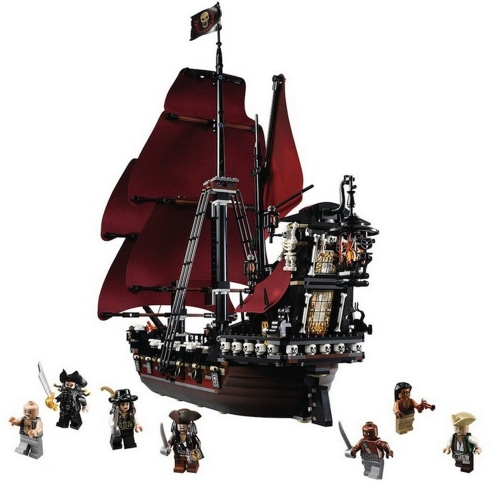 Scatola originale LEPIN 16009 1151 pz Serie Movie Pirati dei Caraibi Queen Anne's Revenge Modello Building Blocks Kit di mattoni Set