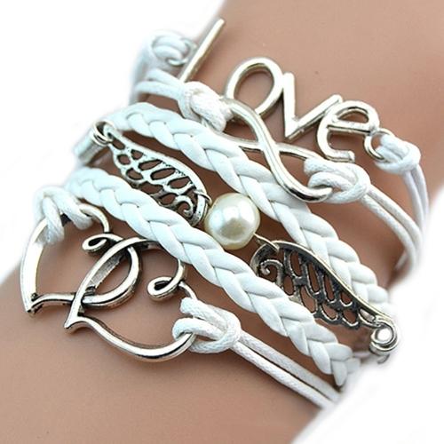 """""""LIEBE"""" Charm Armband. Ein tolles Geschenk für die Frau in Ihrem Leben"""