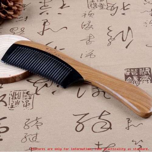 1 Pc Wooden Comb Diaphanous Handmade Natural Ox Horn Green Sandalwood Wooden Comb With Handle Handmade Wood Comb Haircare
