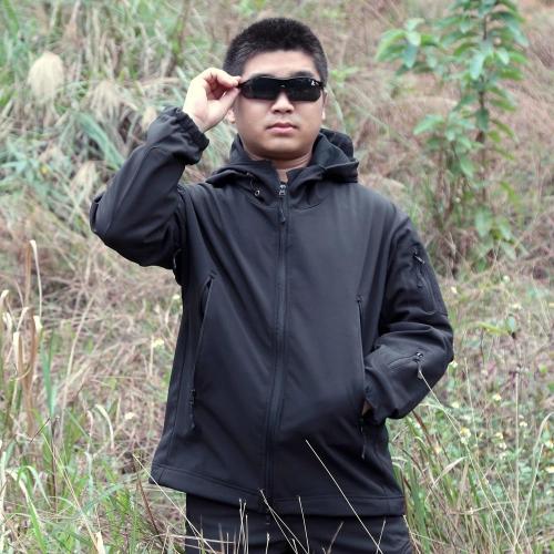 秋・冬のアウトドア ジャケット男性スポーツ防水狩猟服防風ジャケットの戦闘します。