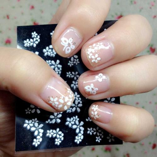 30 Blatt Nagel Kunst Sticker 3D verschidenen Farben Blumenmuster Nail Art Sticker AufkleberAbziehbilder Manicure Schöne Mode Accessoires Dekorationschwarz + weiß