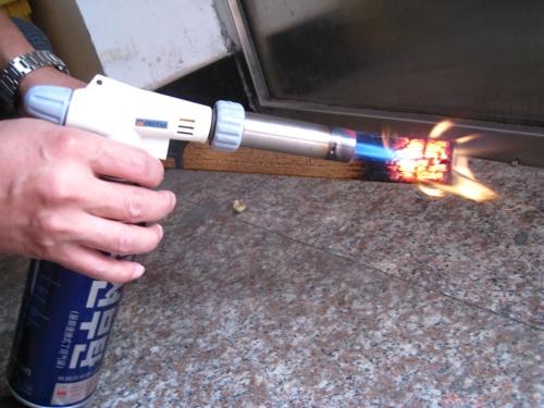360° вращающийся надежной безопасной бутан факел горелки авто зажигания кемпинг барбекю огнемет пламени легче открытый газооборудование