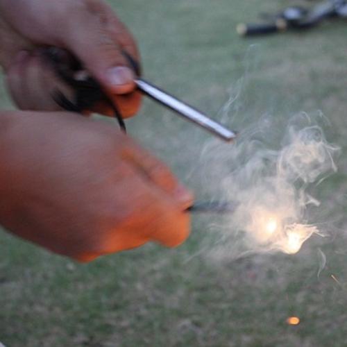 Survival Magnesium Flint Stone Fire Starter Lighter Kit