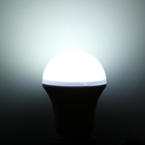 Светодиодные лампы E27 3W белый 220V
