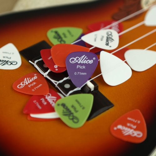 20pcs Alice 0,71 millimetri Smooth Nylon Plettri Plectrums