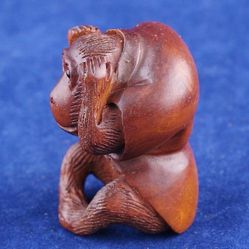 Самшит нэцкэ обезьяна